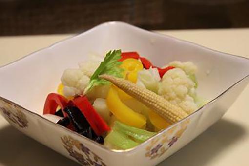 カラフル野菜のしょっつる漬け