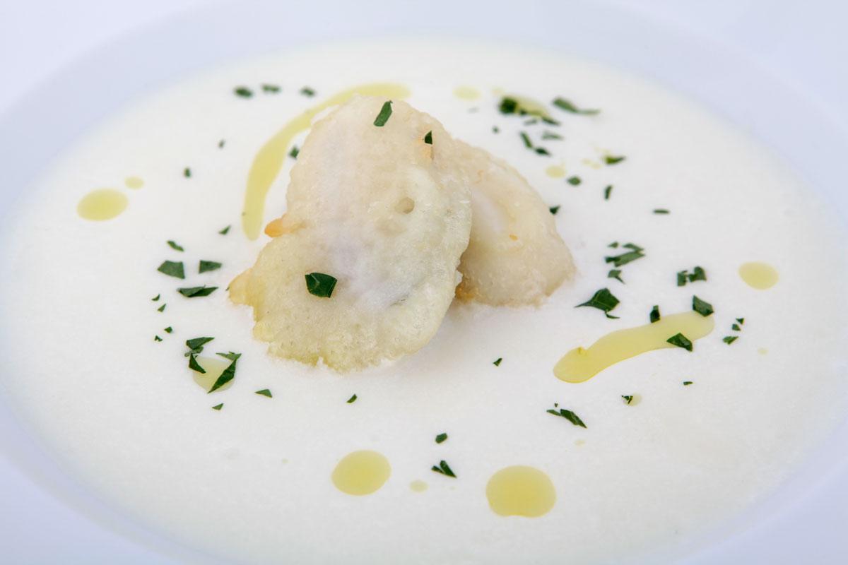 ジャガイモのスープ 魚醤風味 白子のフリット添え